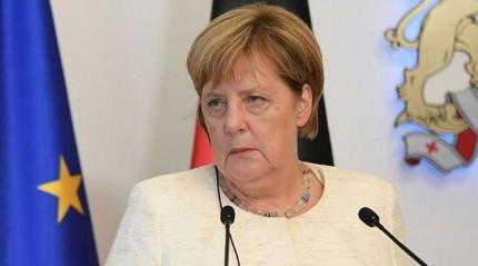 Merkel: Brexit için May'dan yeni teklifler bekliyoruz