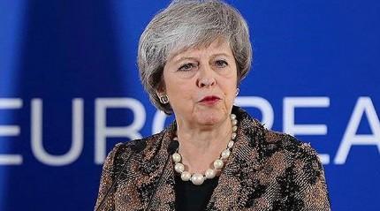 Theresa May'dan Brexit oylaması sonrası ilk yorum: Mart 2019'da ayrılıyoruz