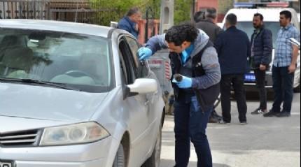 Aracın camını kırıp 90 bin lira çaldılar