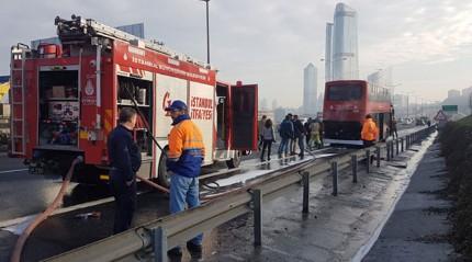 TEM'de çift katlı otobüste yangın çıktı