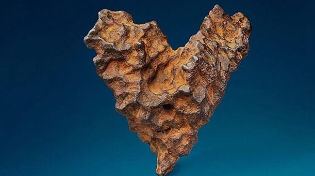 Kalp şeklindeki meteor Sevgililer Günü için satışa çıkacak