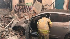 Son dakika - Son Dakika! Balat'ta 3 katlı bina çöktü