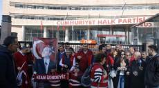 Son dakika - Kırmızı yelekliler Ali Kılıç'ın tekrar aday gösterilmesini CHP Genel Merkezi önünde protesto etti