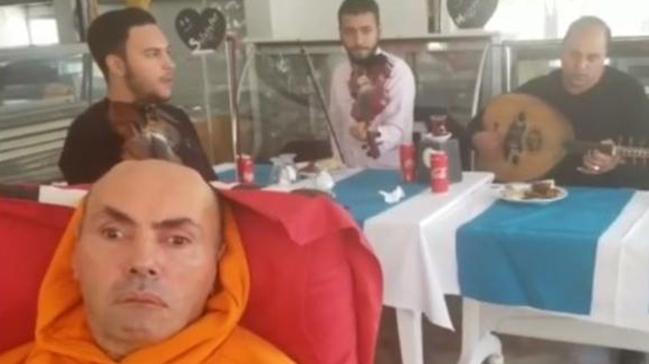 Safiye Soyman oğlu Harun'un doğum günü kutladı