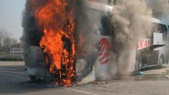 Manisa'da otobüs alev alev yandı: 29 yolcu ölümden döndü