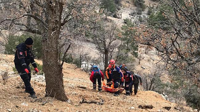 Avlanırken uçurumdan düştü, 22 saatlik operasyonla kurtarıldı