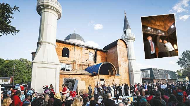 Yanan cami için Müslüman ve Hýristiyanlar kenetlendi